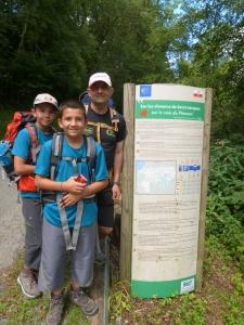 Aquí encontramos la primera señal del camino, a los 16 km de empezar a andar.